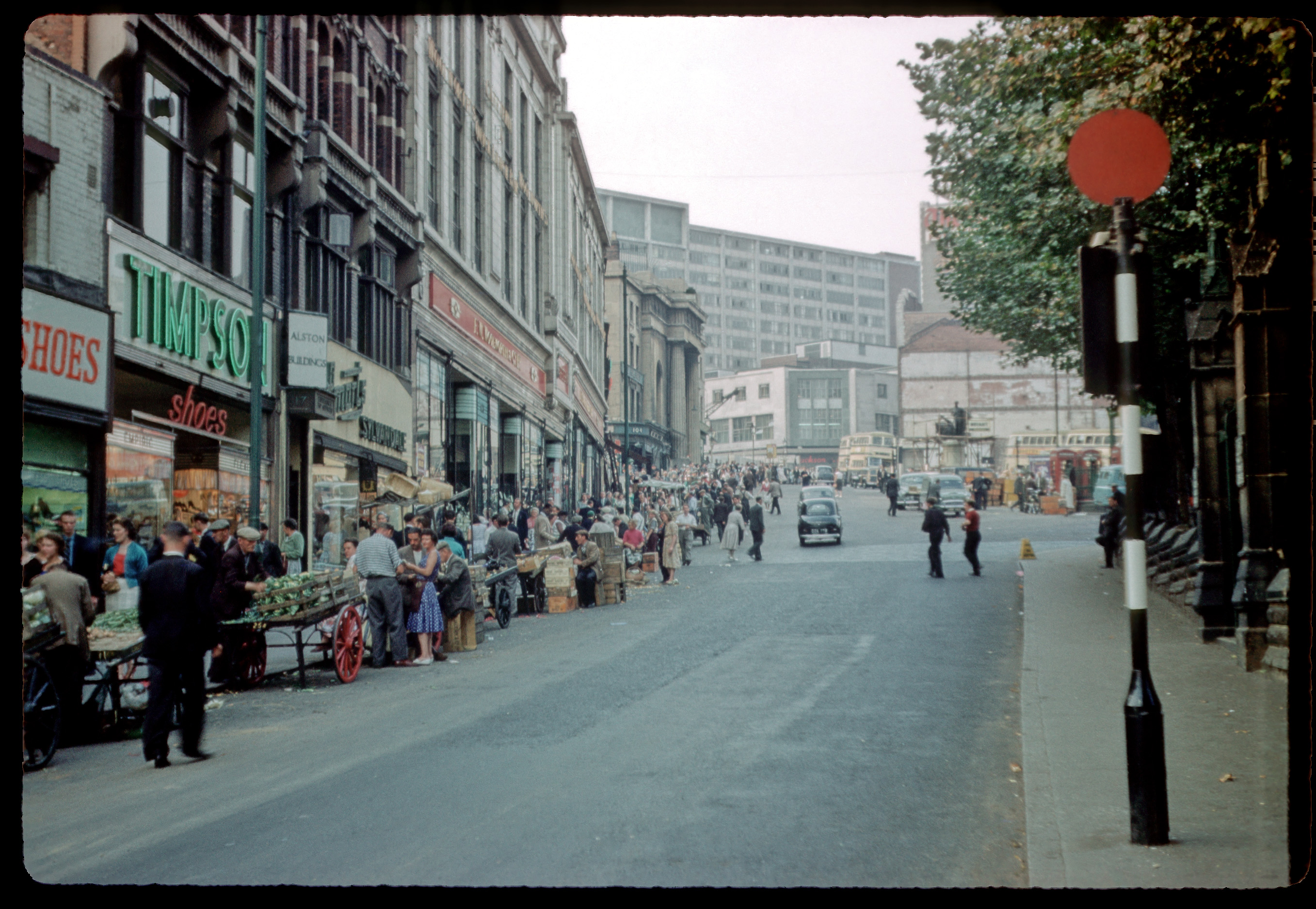 birmingham in the 1960s Raise a glass to birmingham's lost pubs the tendency of closures and changes to pub names had been taking place long before the demolition of the dreadful bull ring.